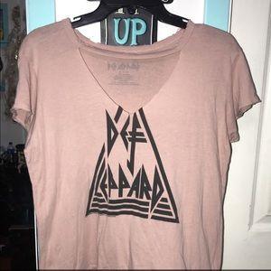 Def leppard pink shirt